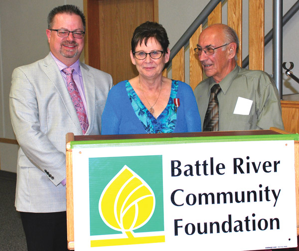 Killam Mayor Bud James acted as Master of Ceremonies during a Battle River Community Foundation Community Builders dinner held Saturday, Aug. 23 in Killam to honour Stan and Sharleen Chevraux.